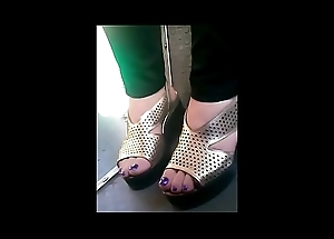 freely full-grown toes in crammer closeup CAM07034-36 HD