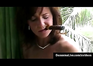 Smoking Hot Cougar Deauxma Bangs Say no to Cunt &amp_ Nuisance Connected with A Cigar