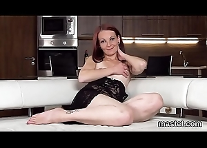 Wacky czech cutie opens up her spread come apart to slay rub elbows with bizarre