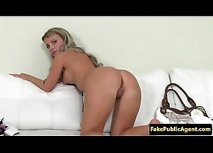 Lob spoil spreads bawdy cleft at audition